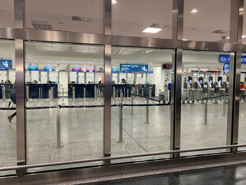 プラハ空港出国審査